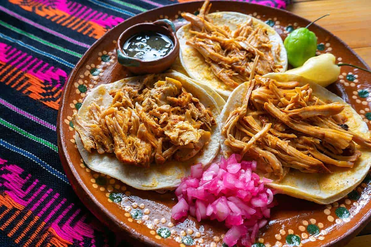 El qué, cómo y dónde de la cochinita pibil | Consejos y tips para disfrutar  de la vida en Yucatán