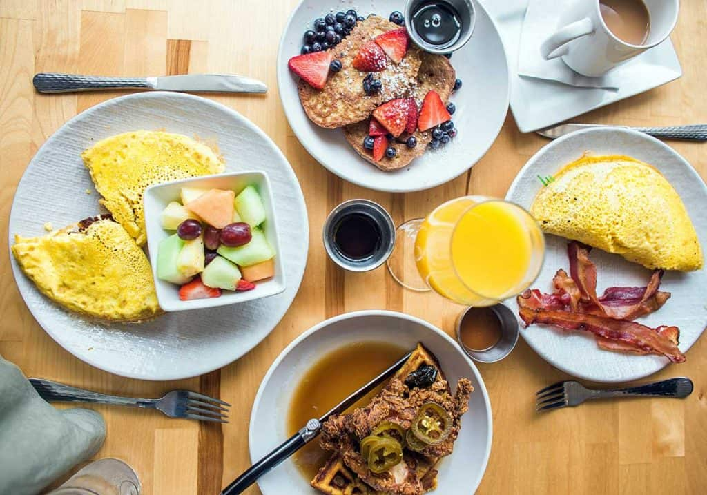 where to have breakfast nearby