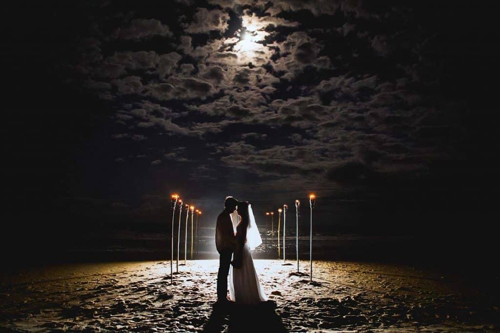 preparativos para boda en la playa